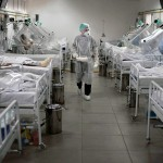 Collapsing,Beds,Situation,For,Corona,Virus,Patients.,Medical,Staff,Work